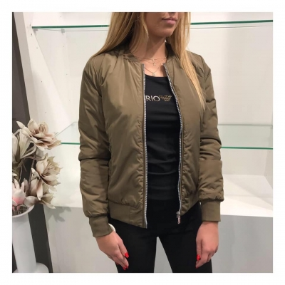 Armani EA7 bomerjacket army green.