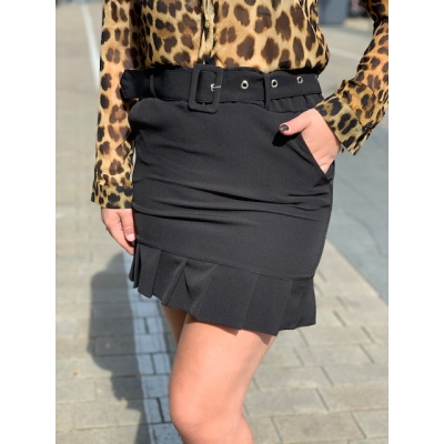 Black skirt with belt